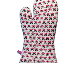 Wood-Block Pink Floral Oven Mitt