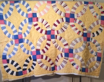 "Vintage Handmade, Hand Sewn, Yellow ""Double Wedding Ring"" Quilt"