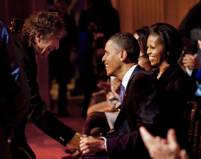 Bob Dylan Greets President Barack Obama After a Performance at the White House in 2010 - 8x10 or 11X14 Photo (BB-991)