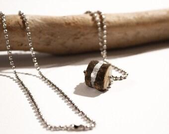 Kormos necklace