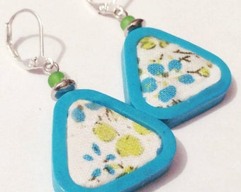 Turquoise reasons triangles rounded earrings flower
