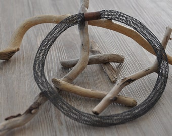 Black wire necklace