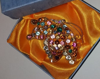 Vintage butterfly brooch full of gems