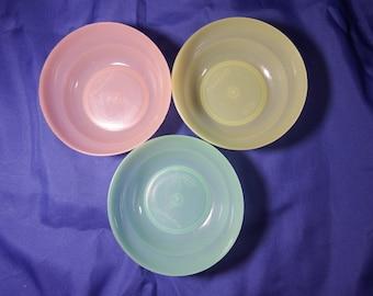 Tupperware mini bowls, set of 3, vintage (item K00427)