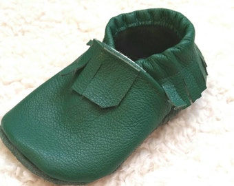 Green baby mocasins, baby boy mocasins, baby girl mocasins, infant mocasins, green baby shoes, baby booties, soft sole green shoes, shoes