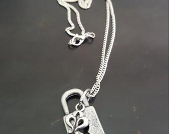 """18"""" Key & Keyhole Charm Necklace"""