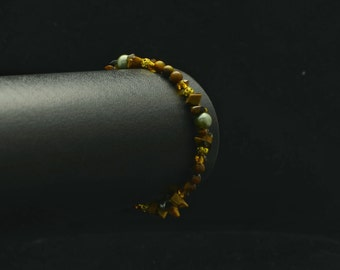 Tigers Eye Gemstone bracelet, Crystal Healing Bracelet.