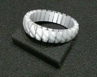 3D Printed stretchy bracelet- metallic PLA