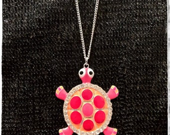A chic and unique necklace! And Lattari turtle!