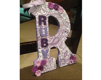 Paisley wooden letter, customizable name/color
