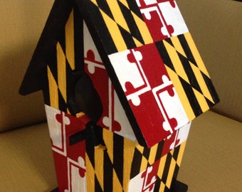 Maryland flag birdhouse