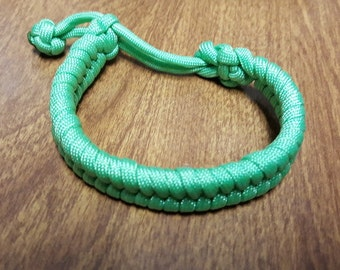 "Paracord Bracelet - ""Fishtail"" Style - Adjustable No Buckles - Custom Colors - Made to Order"