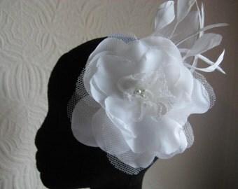 Florence:- Wedding Hair Flower, Ivory Wedding Fasinator,Bridal Hair Flower,Feather Fasinator, Ascot