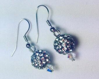 Swarovski Crystal Earrings. Drop Earrings. Holiday Earrings. Gifts for her. Holiday Gifts. Bridal Jewelry