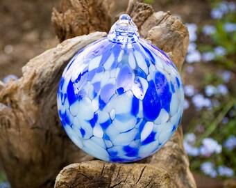 Ornament Hand Blown Art Glass Witch Ball Friendship Ball Holiday Christmas Frozen Blue White
