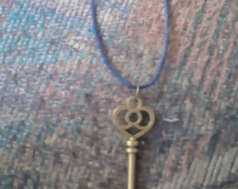 Abstract Bow Key Necklace