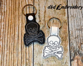 Skull and Crossbones Key Chain - Vinyl keychain snap key fob - Black or White