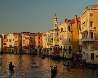 Relaxing in Venice - Venice Photo - Art Photography - Venice Photography - Photo Colour