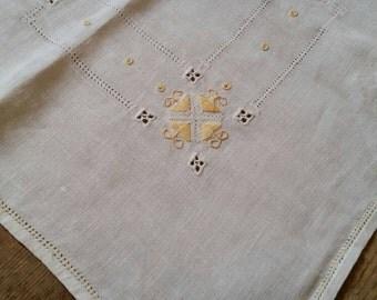 Vintage Linen Farmhouse Tablecloth and napkin set. Natural Linen tablecloth.