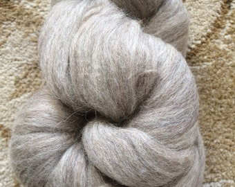 4 ounces of Louet Blue Faced Leicester Wool Roving-BFL-Oatmeal-Spinning/Drop Spindle