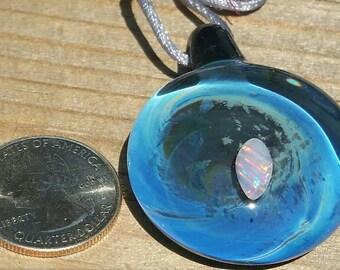 Borosilicate glass pendant with Opal