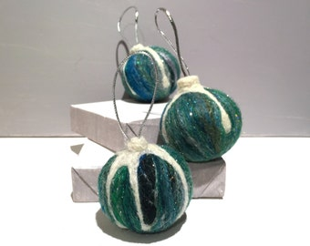Christmas tree ornament, Vintage Inspired, wool felt ornament, green white silver, holiday decor