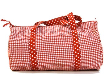 80s Quilted Cotton Duffel Bag / Vintage 1980s Vegan Weekender Travel Gym School Tote / Red & White Polka Dot Novelty Print / Zipper Closure