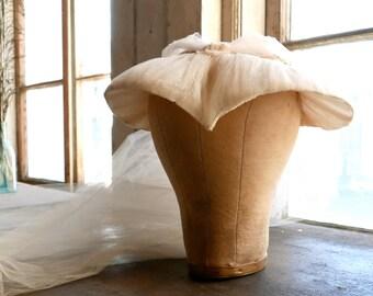 1940s Widow's Peak Bridal Veil