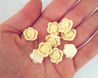 10 15mm Ivory Rose Cabochons, cute round flower cabs