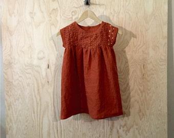 SALE! Sample Sashiko Linen flower girl dress in Rust size 4/5
