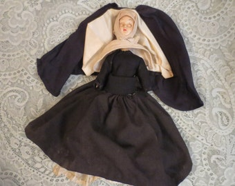 SALE Vintage 1940s 1950s Nun Doll with Closing Eyes