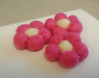 4 pieces - Hand Felted 5-Petal Flower in Bright Pink and Ivory - Sewing, Embellishment, Hair Accessories