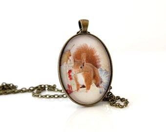 Squirel Necklace, Wildlife Necklace, Woodlands Animal Necklace