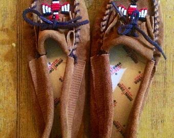Vintage 1980's thunderbird minnitonka moccasins. Womens size 6