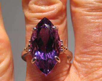 Stunning Marquis Cut COLOR CHANGE Amethyst Ring ... Sterling Silver and 14 kt Gold ...  size  7 ....   e860