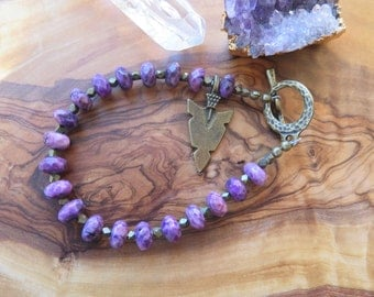 Purple and Brass Agate Stone Bracelet - Arrowhead - Simple Beaded - Womens Jewelry - Free Spirit Boho Bright Spring Jewelry - Antique Look