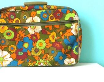 Floral Vintage Suitcase // Overnight Trip // 1960's Mod Case