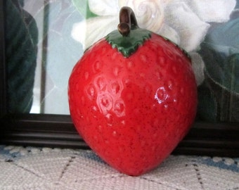 Vintage Ceramic Strawberry Wall Decoration Mint Condition 1960s Unmarked