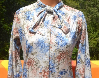 vintage 70s blouse BOW tie collar poly disco secretary women's shirt Medium cape cod match mates preppy