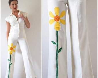 FALL SALE / 20% off Vintage 70s Good Things Growing White Jumpsuit with Daisy Applique (size xs, small)