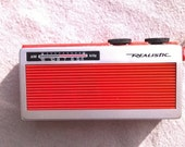 Red Transistor Radio, Realistic made in Hong Kong, Radio Shack, Cute,   beach and power outage use