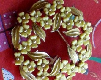 Vintage Yellow brooch, vintage pin, Vintage Jewelry