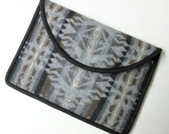 "13"" MacBook AIR or Macbook Pro RETINA Laptop Cover Sleeve Case Wool Native American Print"