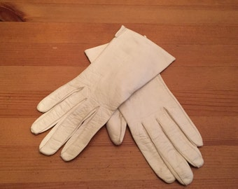 Vintage French Kid Gloves White Leather gloves ladies sz 6