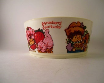 Vintage Strawberry Shortcake plastic Bowl nice made in usa by deka 1983