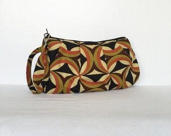 Pleated Wristlet Zipper Pouch // Clutch - Kanvas Ecco Centric Olive