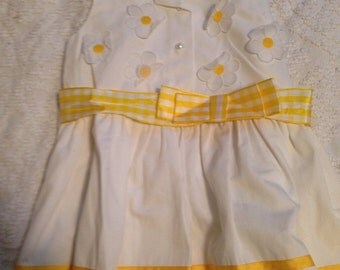 Vintage daisy baby girl dress Size 2T