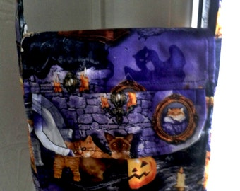 Small Messenger cross body purse trick or treat bag made for the Sew Powerful Purse Project from Scaredy Cat Purple Halloween Fabric