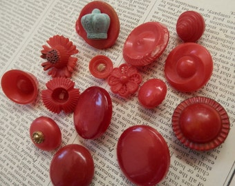 SALE VINTAGE BUTTONS 15 Red Unusual Shapes Various Sizes Flowers Crown Shank Sew Through