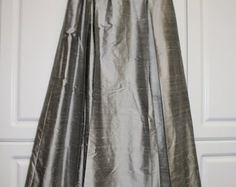 VINTAGE Jessica McClintock SILVER grey Silk Shantung fancy long skirt. Fancy long skirt for weddings, costume, New Years